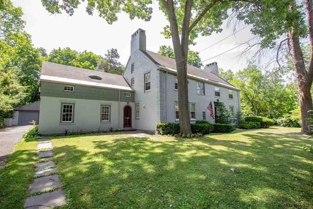 Colonial, Single Family - Schenectady, NY