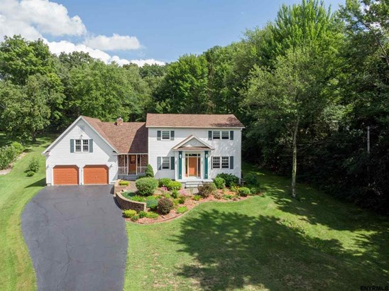 Colonial, Single Family - Ballston TOV, NY