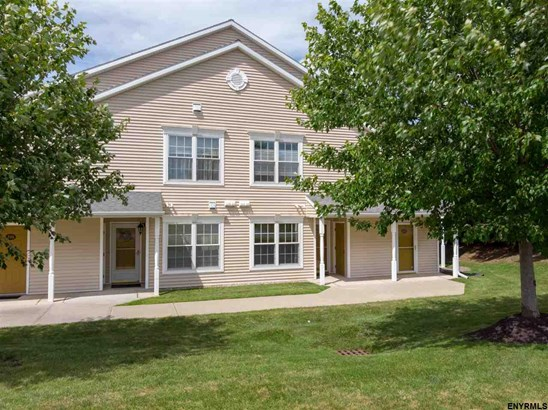 Condominium, Single Family - Rensselaer, NY