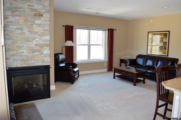 Condominium, Single Family - Guilderland, NY (photo 4)
