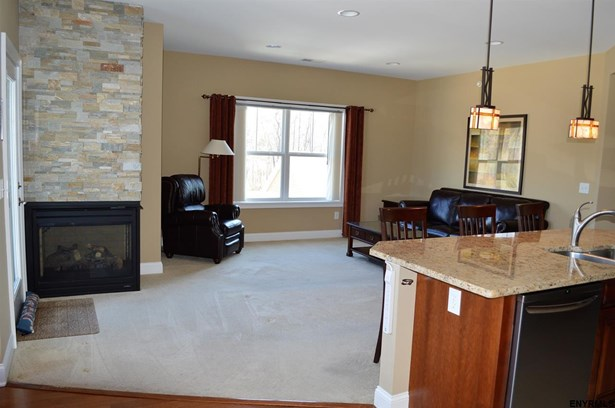 Condominium, Single Family - Guilderland, NY (photo 5)