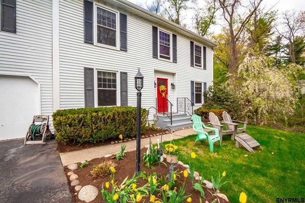 Colonial, Single Family - Guilderland TOV, NY (photo 1)