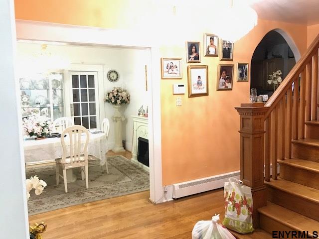 Colonial, Single Family - Schenectady, NY (photo 4)