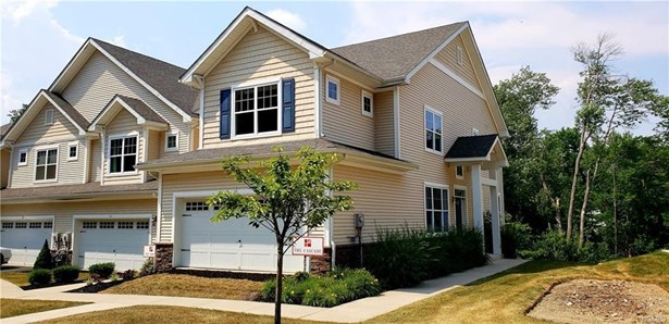 Town House, Single Family - Middletown, NY (photo 1)
