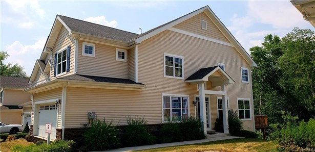 Town House, Single Family - Middletown, NY (photo 2)