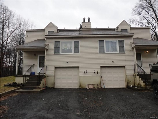 Duplex, Trilevel - Pine Bush, NY (photo 1)