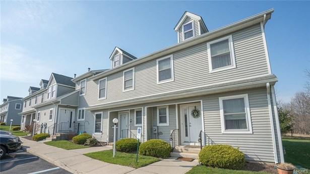 Condominium, Town House - Pine Bush, NY (photo 1)