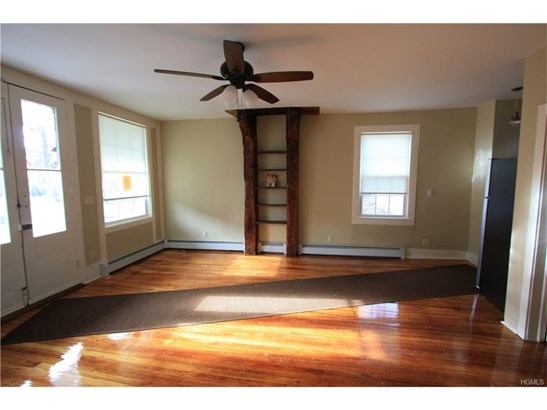 Colonial, Apartment - Montgomery, NY (photo 4)