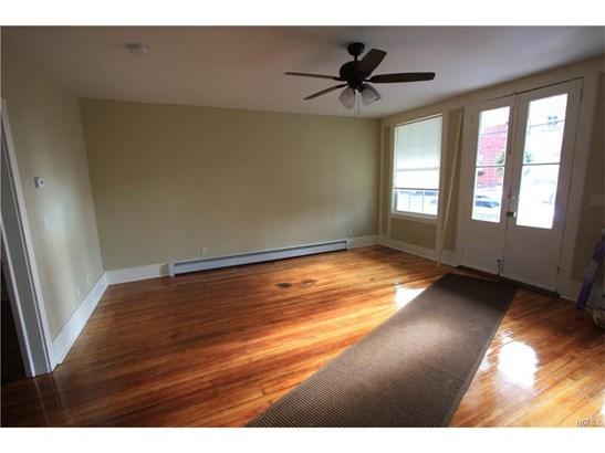 Colonial, Apartment - Montgomery, NY (photo 5)