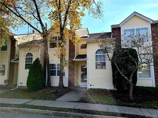 Townhouse, Condominium - Middletown, NY