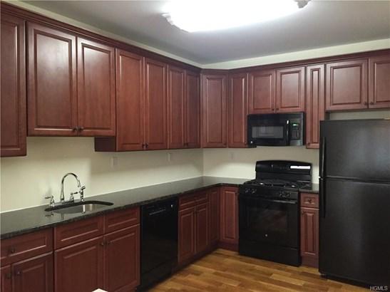 Apartment,Condo - Cornwall, NY (photo 5)