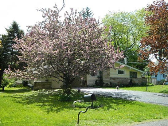 Ranch, Single Family - Middletown, NY (photo 2)