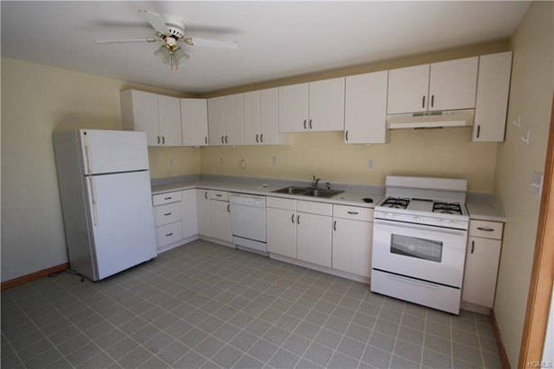 Apartment - Maybrook, NY (photo 1)
