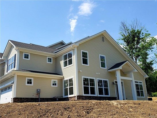 Contemporary,Town House, Single Family - Middletown, NY (photo 1)