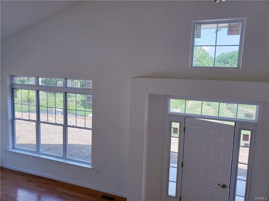Contemporary,Town House, Single Family - Middletown, NY (photo 5)