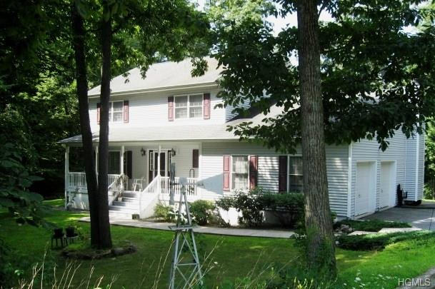 Colonial, Single Family - Middletown, NY