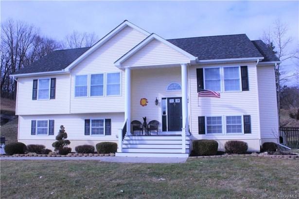 Single Family Residence, Raised Ranch,Bilevel - Goshen, NY