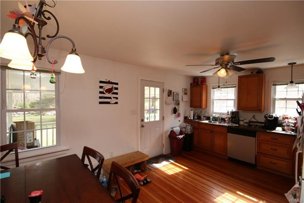 Capecod,Contemporary, Single Family - Pine Bush, NY (photo 3)