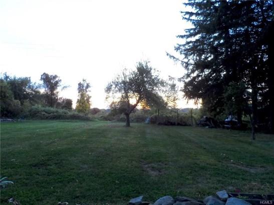 Bilevel,Raised Ranch, Single Family - Marlboro, NY (photo 4)