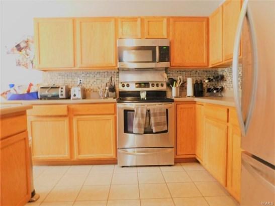 Condominium - Middletown, NY (photo 3)