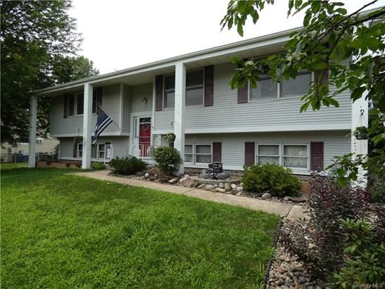Single Family Residence, Raised Ranch,Bilevel - New Windsor, NY