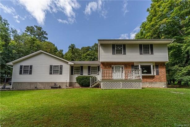 Single Family Residence, Colonial - Newburgh, NY