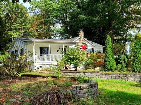 Single Family Residence, Ranch - Slate Hill, NY