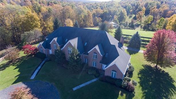 Arts&crafts,Mini Estate, Single Family Residence - Washingtonville, NY