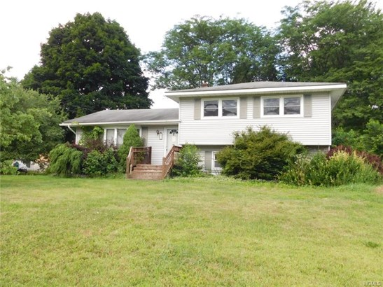 Split Level, Single Family - Westbrookville, NY