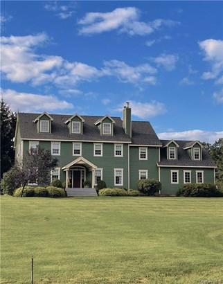 Single Family Residence, Colonial - Wallkill, NY