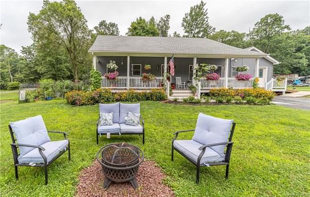 Single Family Residence, Cape - Wallkill, NY