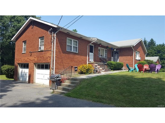 Raised Ranch,Ranch,Two Story, Triplex - Walden, NY (photo 4)