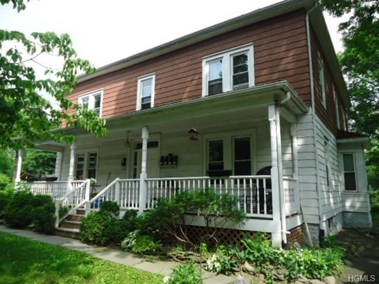 Foursquare,Two Story, Apartment - New Paltz, NY (photo 1)