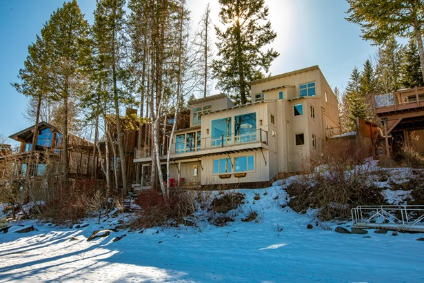 Single Family Residence, Tri/Multi Level - Whitefish, MT