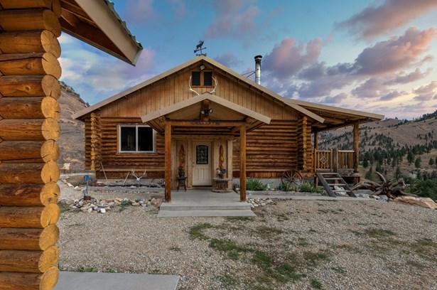 Single Family Residence, Log - Conner, MT