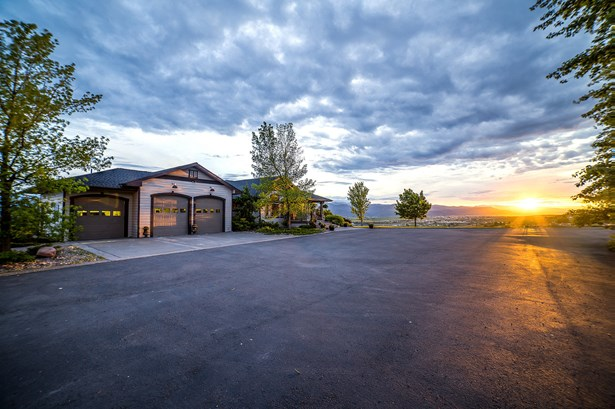 Single Family Residence, 1.5-2 Stories - Missoula, MT (photo 3)