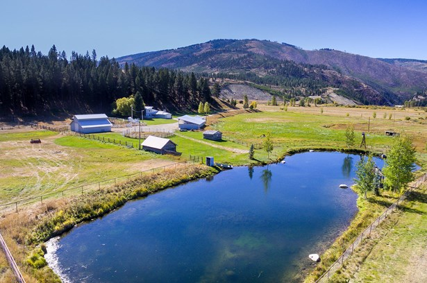 Single Family Residence, Ranch - Sula, MT (photo 2)