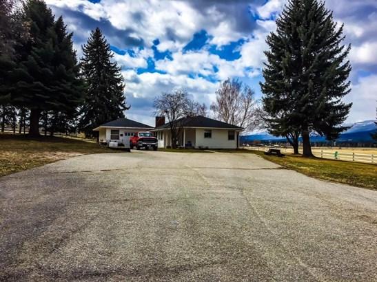 Single Family Residence, Ranch - Hamilton, MT (photo 2)