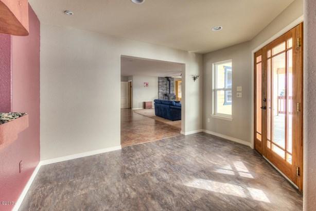 Single Family Residence, 1.5-2 Stories - Corvallis, MT (photo 3)