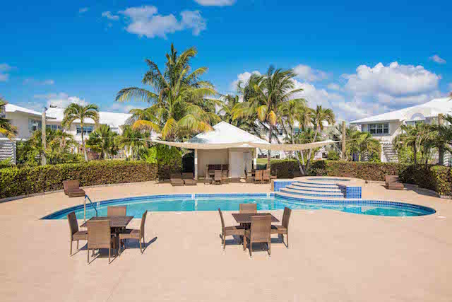 Windsor Village 2 Bed Ocean Front Rental, South Sound, , Cayman Residential property (photo 4)