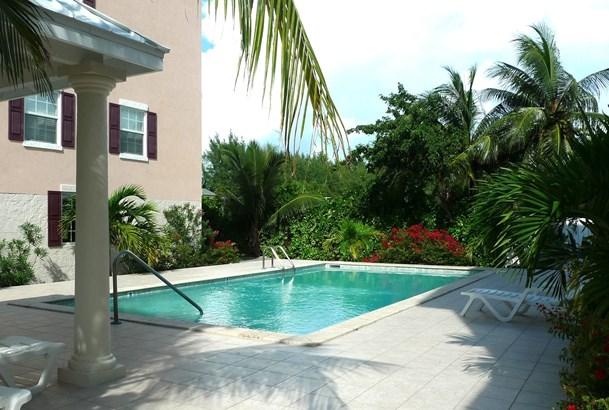 Villa Royale for rent, Seven Mile Beach Property (photo 4)
