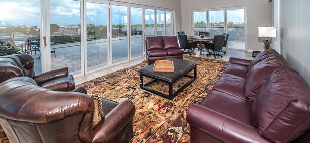 Luxe Penthouse, North Sound Waterway, , Residential property  for lease (photo 3)