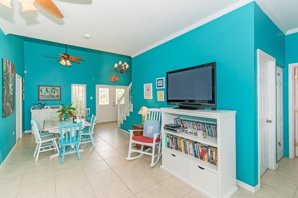 CAYMANEASE BEACHFRONT DETACHED HOUSE (photo 4)