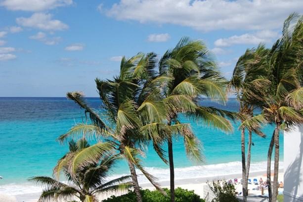 11, Paradise Island - BHS (photo 1)