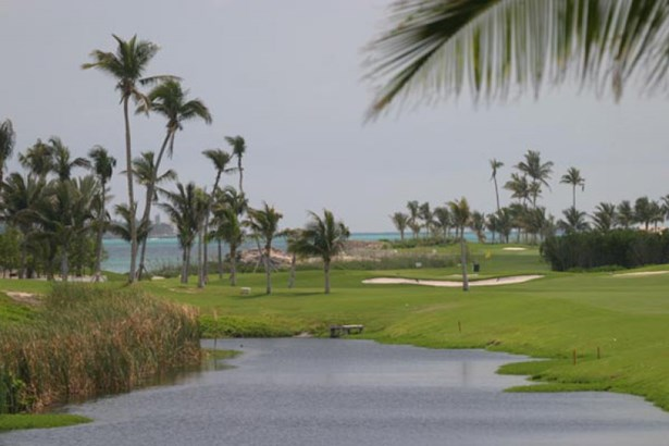 Golf Course (photo 4)