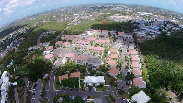 Sandford Drive, Nassau - BHS (photo 2)