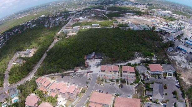 Sandford Drive, Nassau - BHS (photo 3)