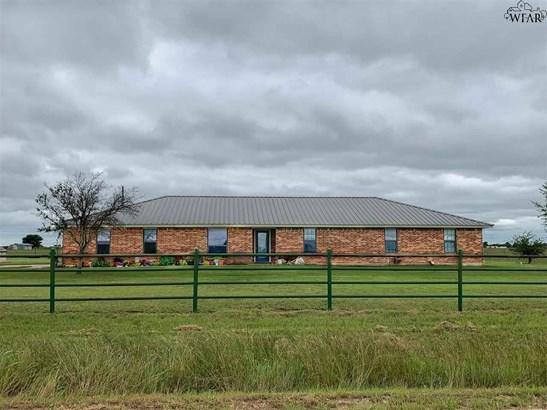 Single Family W/ Acreage - Windthorst, TX