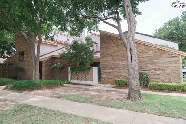 Condo/Townhouse, 2 or more Stories - Wichita Falls, TX (photo 1)