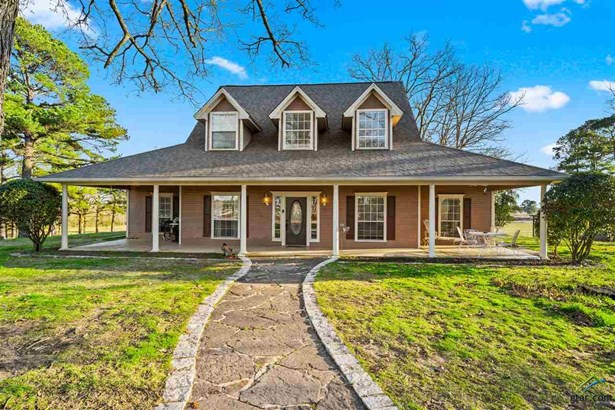 Single Family Detached, Traditional - Scroggins, TX